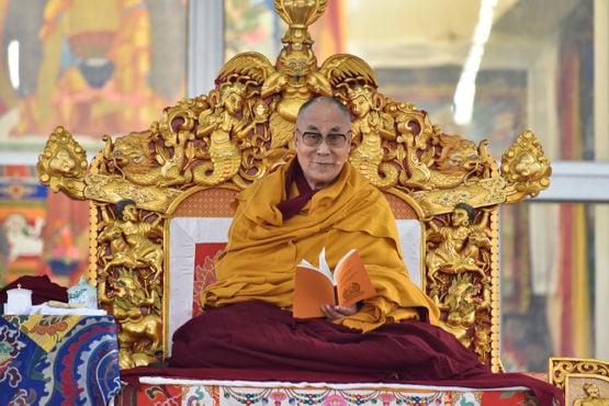 达赖喇嘛尊者菩提迦耶向数万信众传授《佛说三转法轮经》 照片/Tenzin Jigme/DIIR