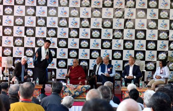 """2017年10月,桑迪卡利安女士出席了由藏人行政中央外交與新聞部(DIIR)主辦的""""5·50战略规划""""会议。"""