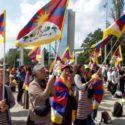 藏人在联合国人权理事会前进行和平抗议