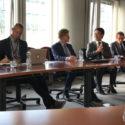 欧洲议会支持西藏小组讨论西藏局势