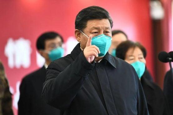 中国国家主席习近平在视察疫区 照片/载自网络